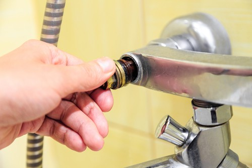 How To Fix A Leaking Faucet?